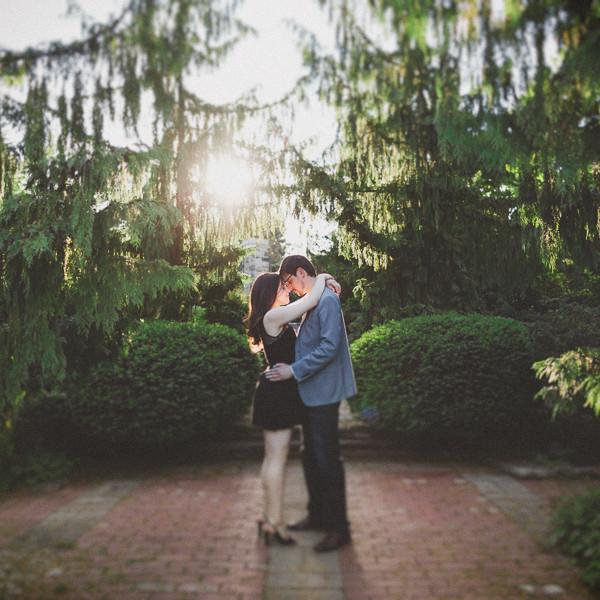 Alexander Muir Memorial Gardens Engagement Pictures | Toronto