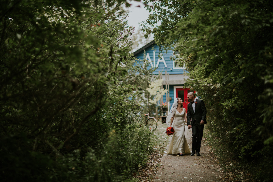 AIA Clubhouse Toronto Ward Island Wedding Picture by Avangard Photography