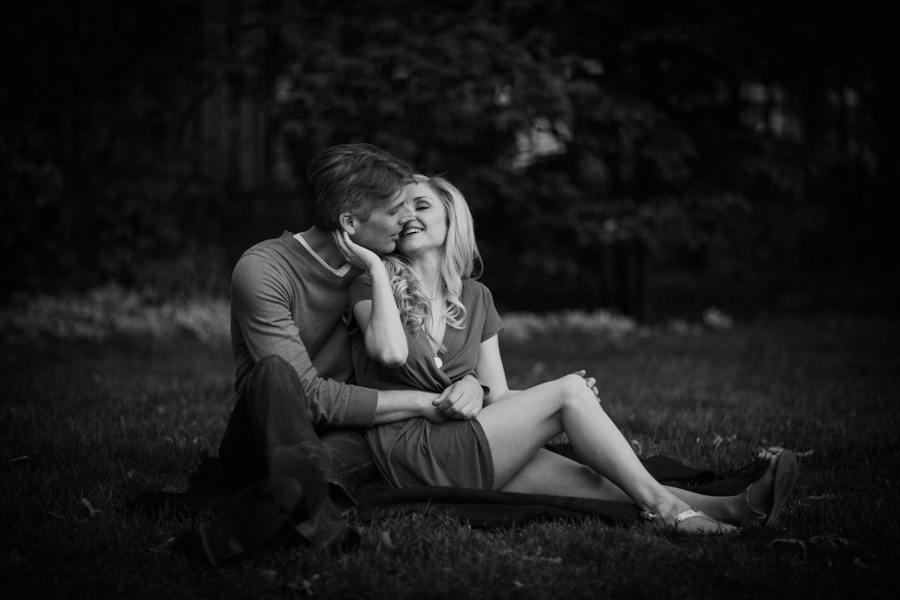 Black & White Engagement Session Downtown Toronto by Toronto Wedding Photographer Avangard Photography