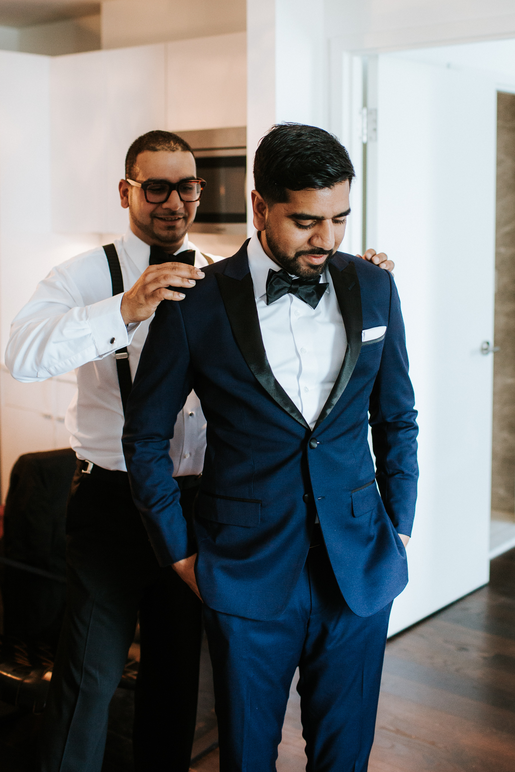 Thompson Hotel Toronto Wedding Pictures by Toronto Wedding Photographer