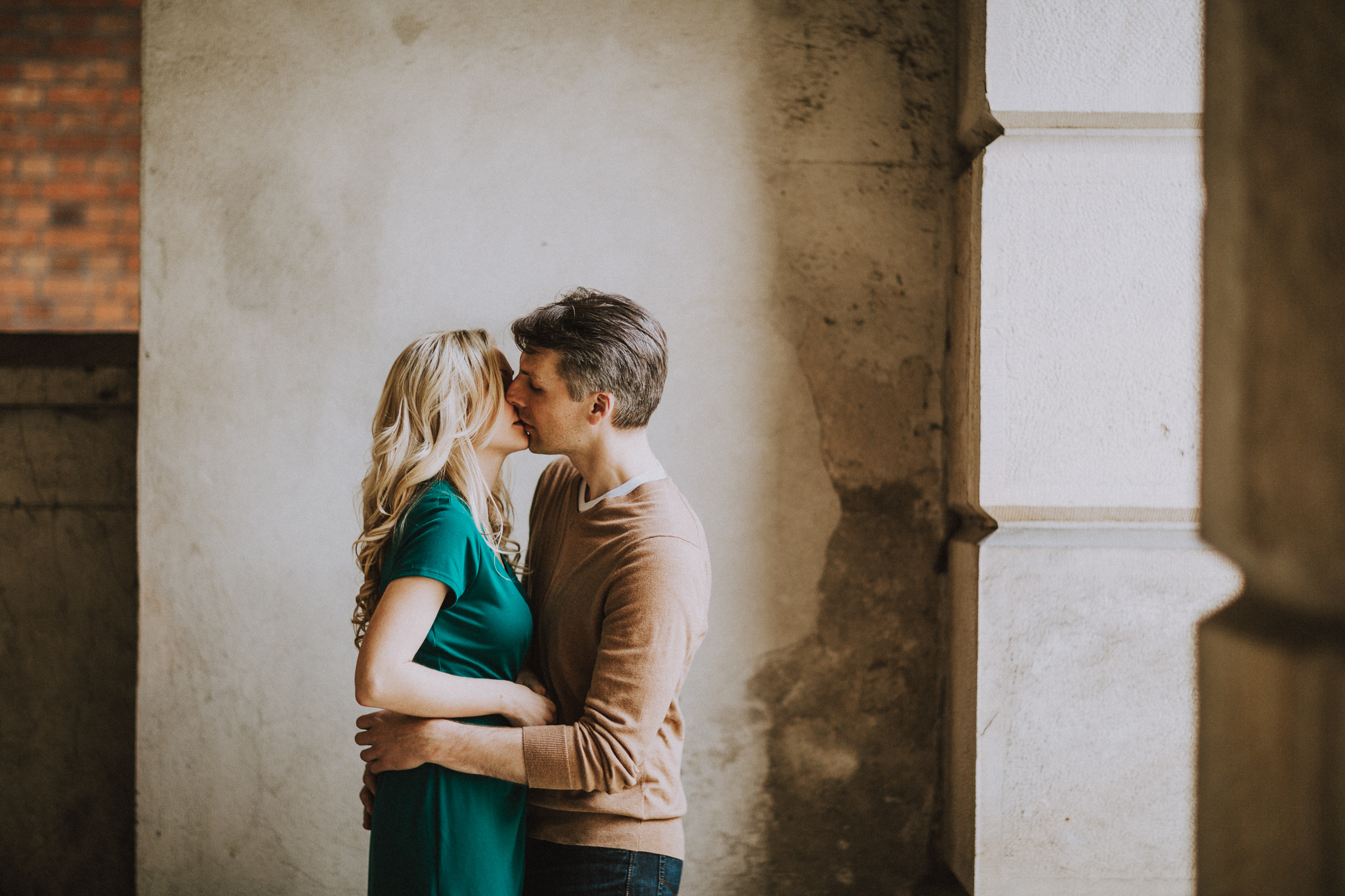 Osgoode Hall Toronto Engagement Pictures by Toronto Top 10 Wedding Photographer Avangard Photography