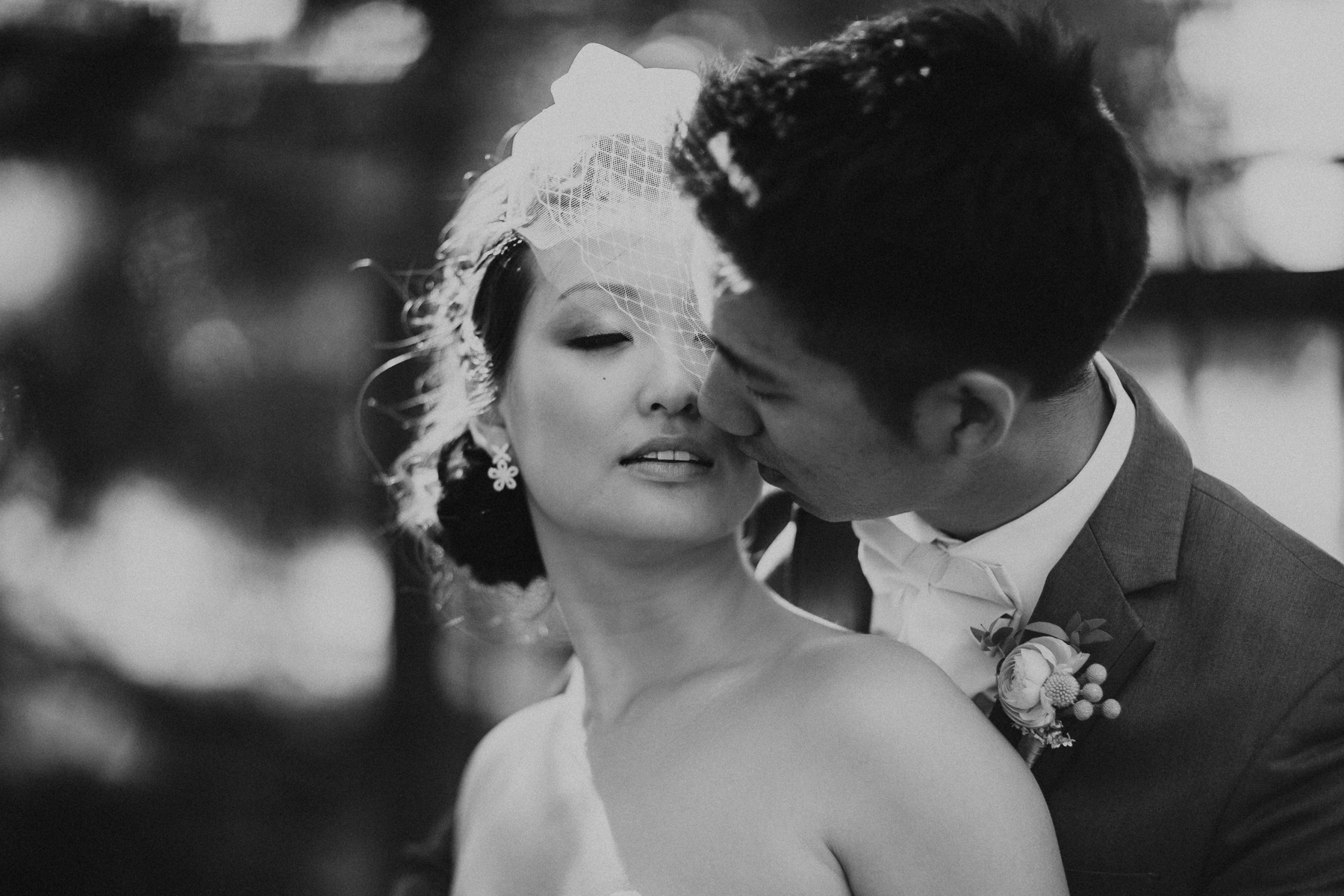 3 Tips to Dreamy Wedding Poses on Your Wedding Day