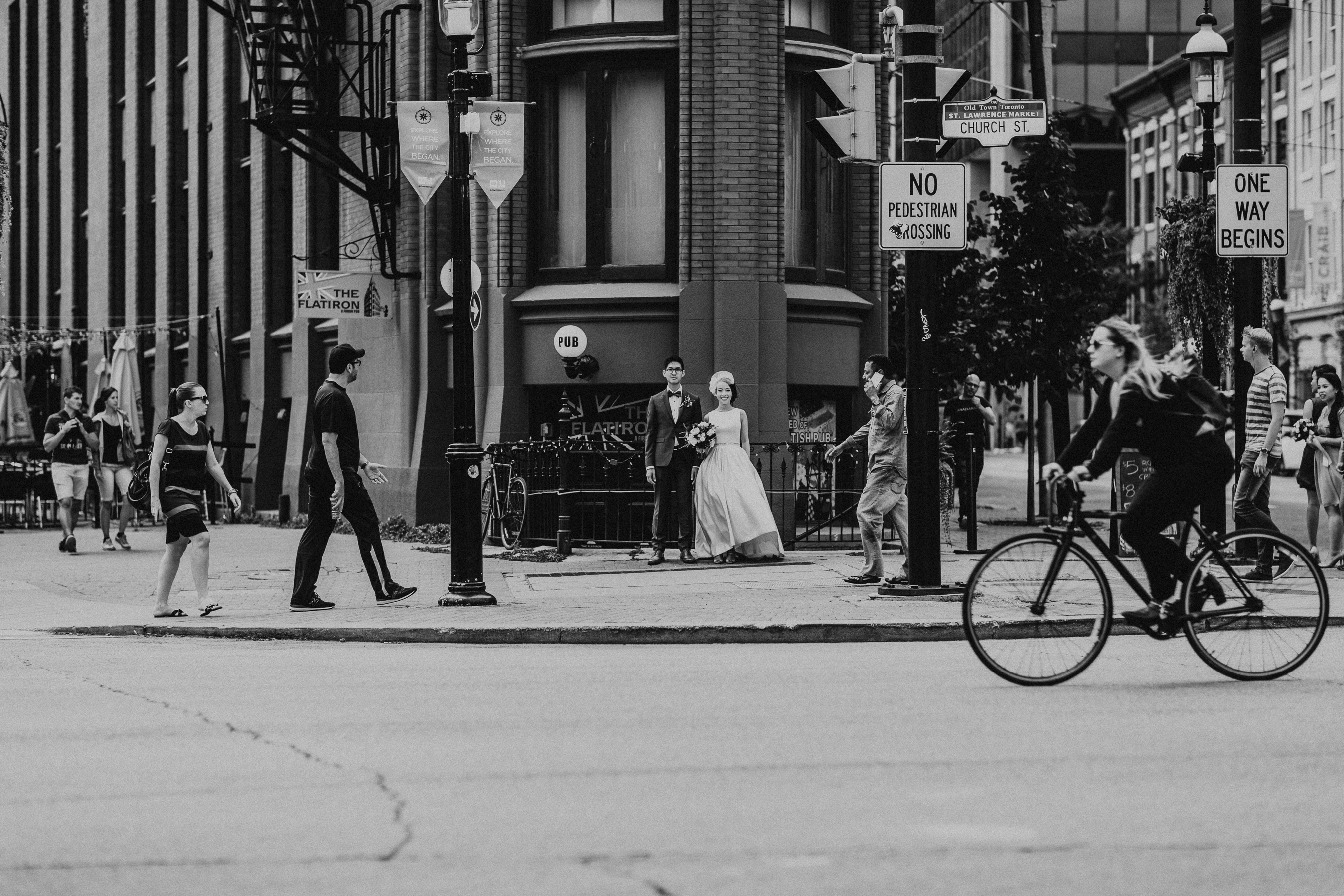 Jump Restaurant Wedding Pictures by Toronto Wedding Photographer Avangard Photography