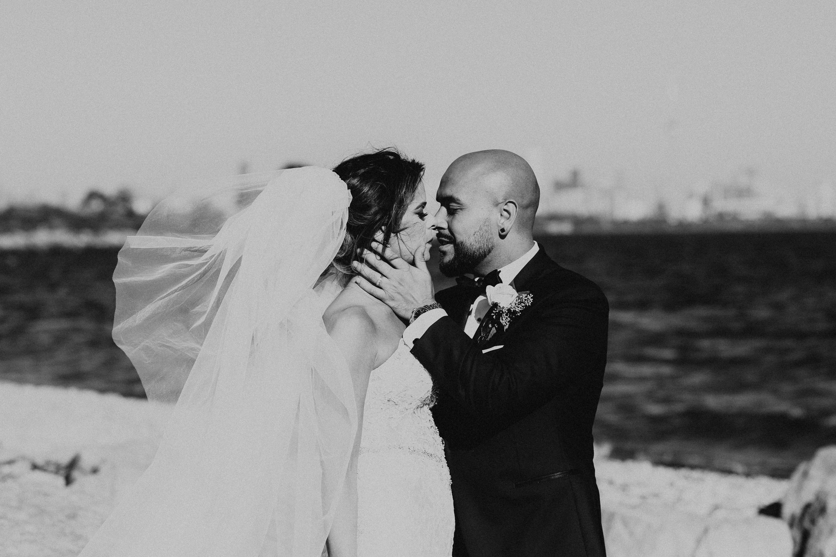 Palais Royale Wedding Pictures by Toronto Wedding Photographer Avangard Photography